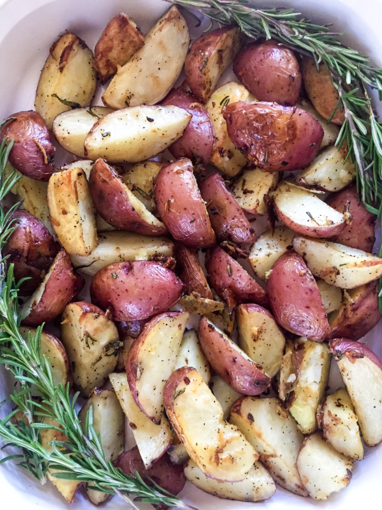 Parmesan Rosemary Roasted Potatoes | Dash of Jazz