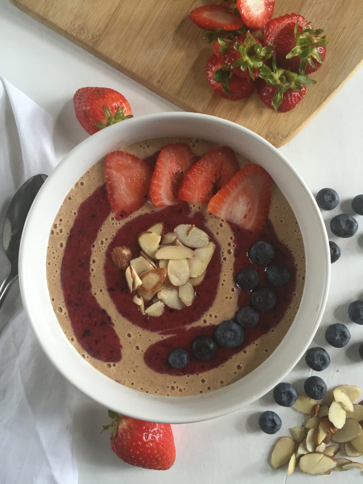 PB&J Smoothie Bowl | dashofjazz.com