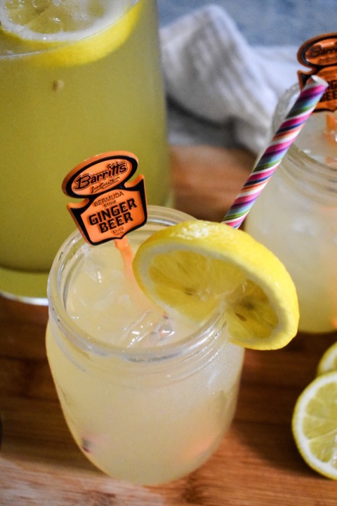 Fizzy Honey Ginger Lemonade | Dash of Jazz
