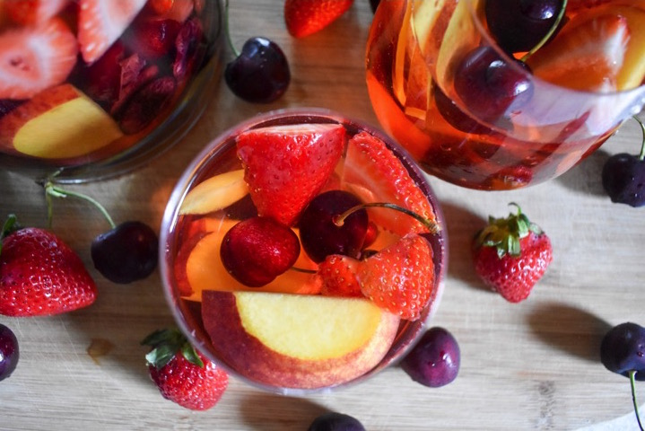 Summer Fruit Rosé Sangria | Dash of Jazz