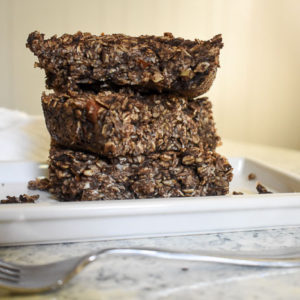 Dark Chocolate Chai Baked Oatmeal (Vegan)