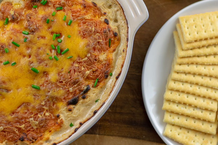 hot turkey sausage dip and crackers