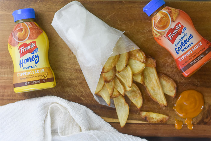 oven baked fries and dipping sauces